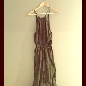 Dresses & Skirts - Cute, cut-out maxi, halter cut dress.